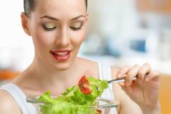 Салат из овощей при диете