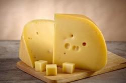 Твердый сыр во время помидорной диеты