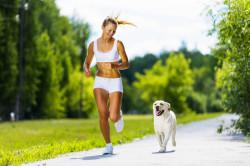 Активный образ жизни - один из способов похудения в коленях