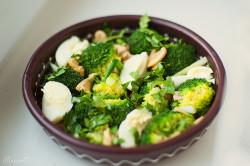 Брокколи с овощами на пару