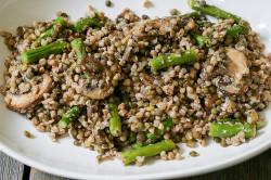Вареная гречка с овощами для похудения