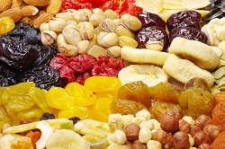 Польза сухофруктов во время диеты без мяса