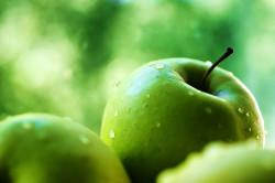 Зеленые яблоки при гречневой диете