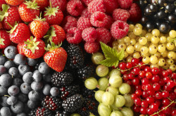 Ягоды и фрукты при крапивнице