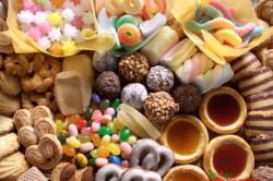 Конфеты, печеньки, зефир -  противопоказание при диете