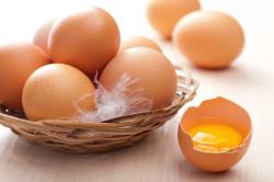 Яйца для приготовления диетического бисквита