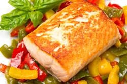 Запеченная рыба с овощами при приеме Варфарина