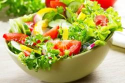 Салат из овощей при приеме Варфарина